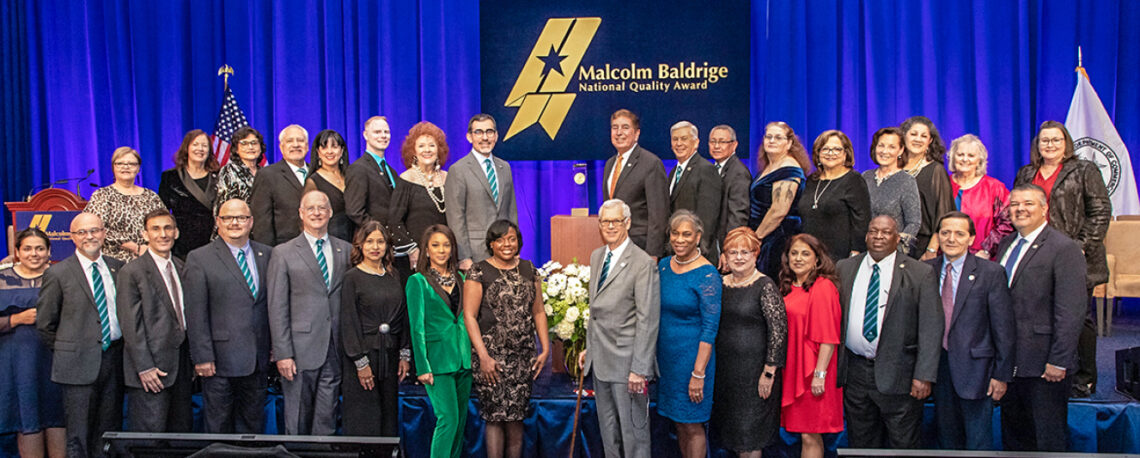 The Alamo Colleges District team accepting the 2018 Malcolm Baldrige National Quality Award.