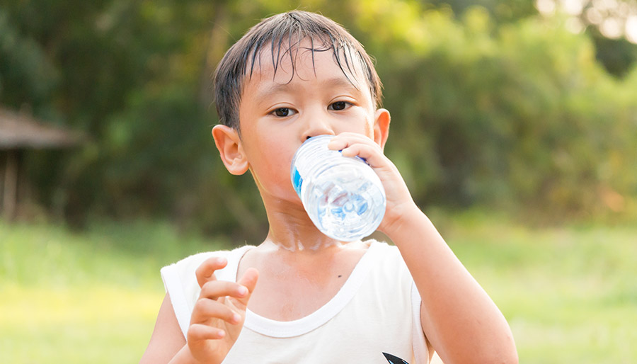 3 Tips to Keep Your Child Hydrated Without Tooth Decay