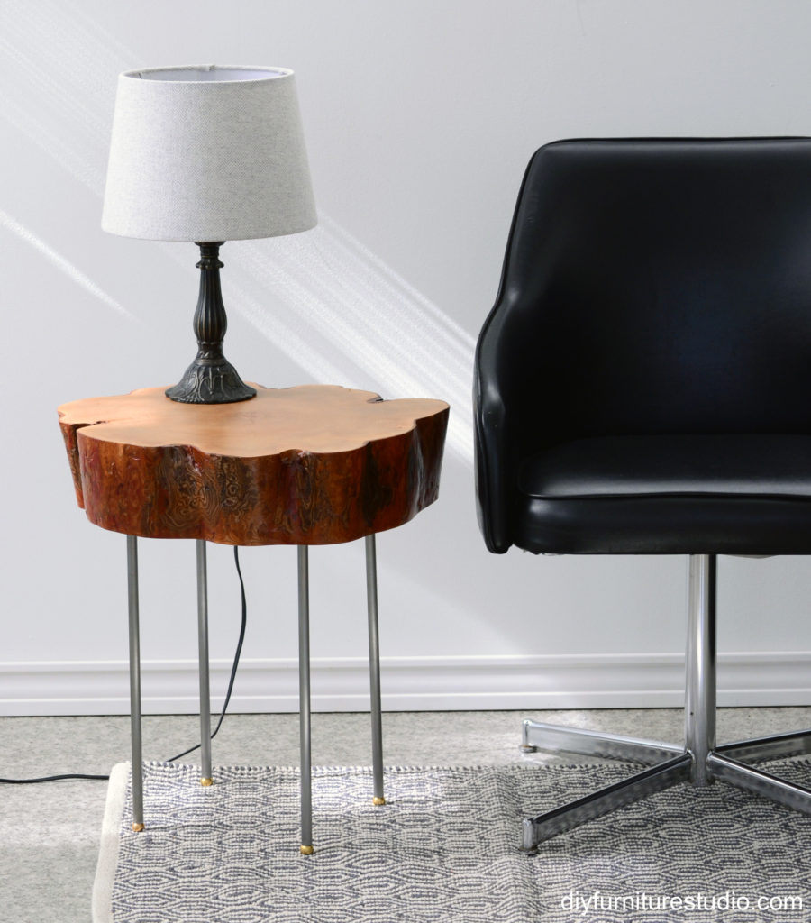 mid-century-styling-DIY-stump-tree-slice-side-table-with-industrial-lamp-pipe-legs-w_flatDSC_7625ab