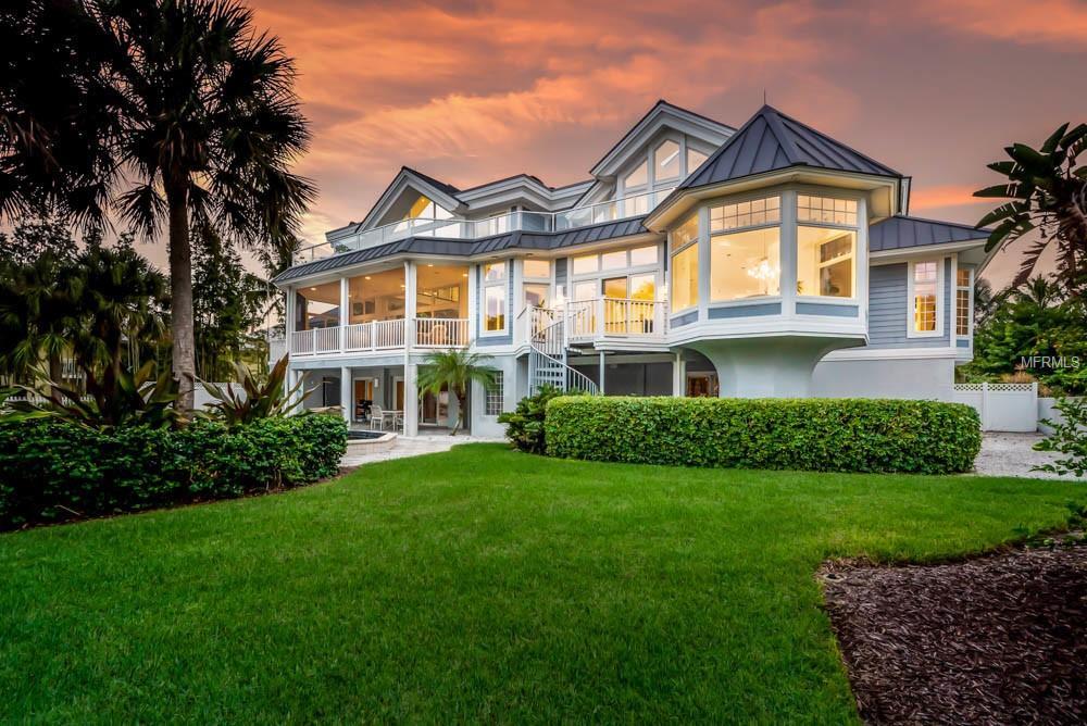 contemporary coastal residence
