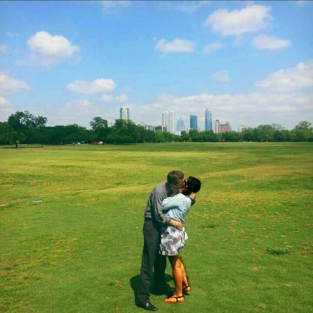 Malia and MJ At Zilker Park Kiss In Austin Texas