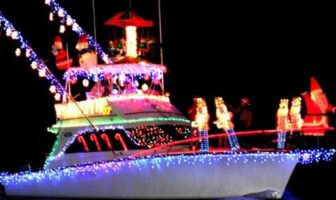 Christmas boat parade niceville boat