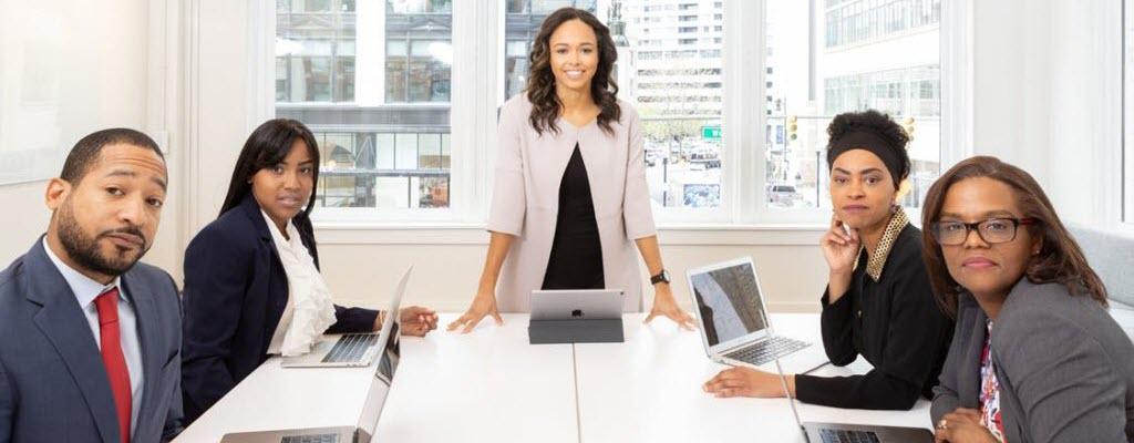 Tips for Balancing In-House Marketing Teams vs. Agencies in 2020 1