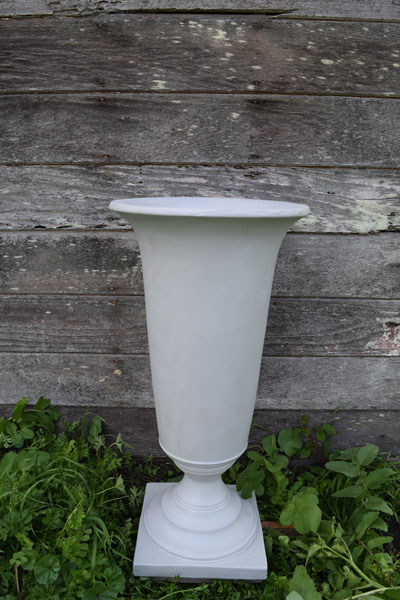 Light gray urns