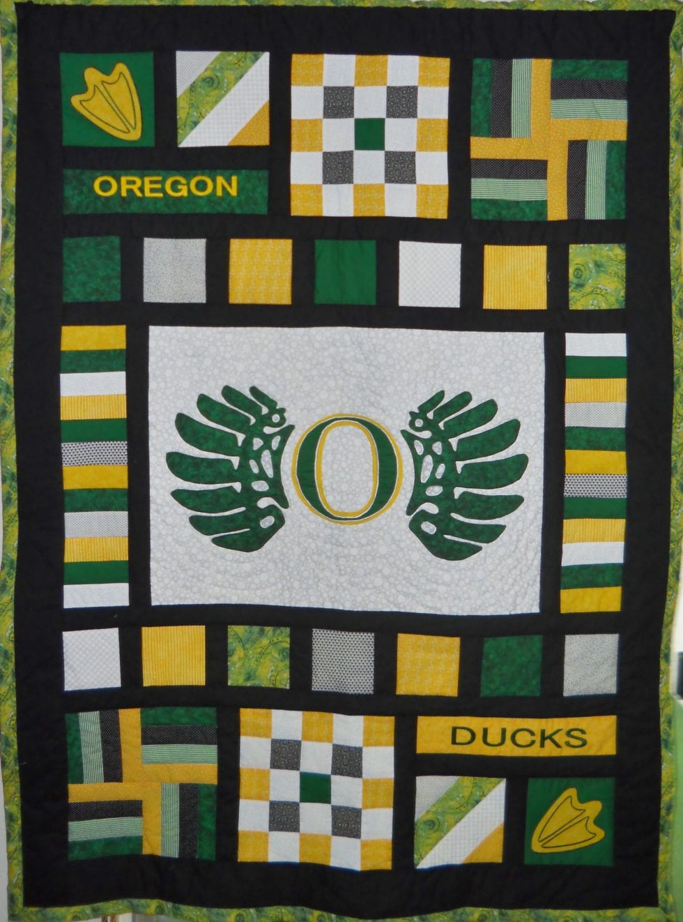 Team Spirit Quilt Applique DIY Oregon Ducks