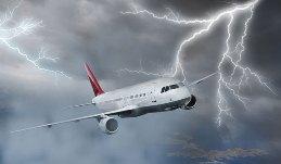 plane-lightning-100610-02