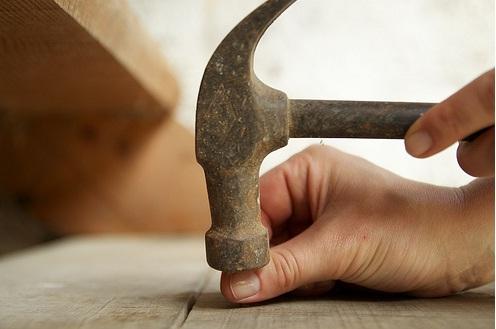 hammer-on-thumb
