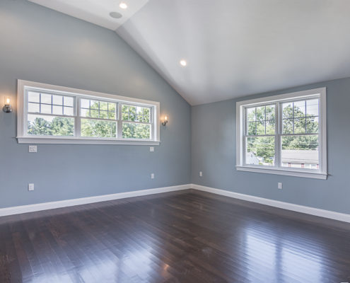 Spacious room with immaculate ceilings and great lighting
