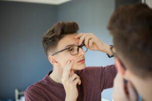 Traitement anti-acné facial anti-acné à Montréal