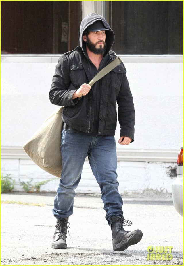 jon-bernthal-starts-filming-the-punisher-first-set-photos-01_nhm3-640