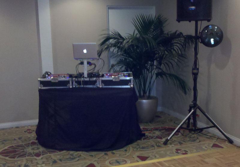 San-Diego-Wedding-DJ-Touch-Blevins-set-up