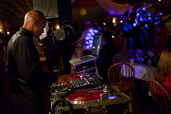 my-djs-San-diego-wedding-dj-touch-blevins