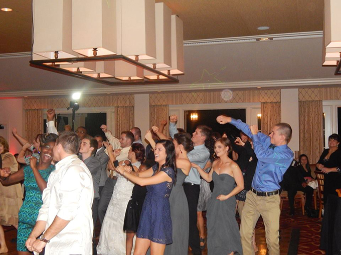 MY DJs Wobble Dance