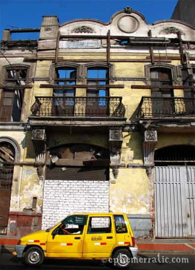 Taxi and decay, Lima, Peru