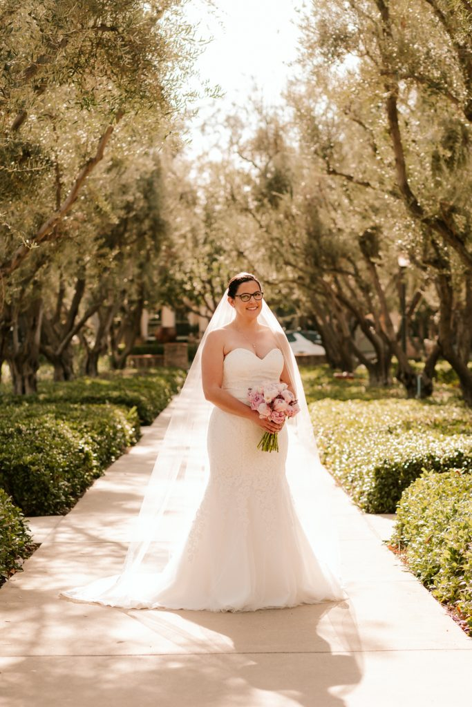 classic lace mermaid wedding dress