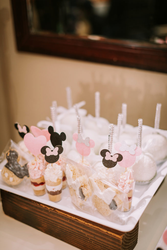 disney-themed-wedding-desserts