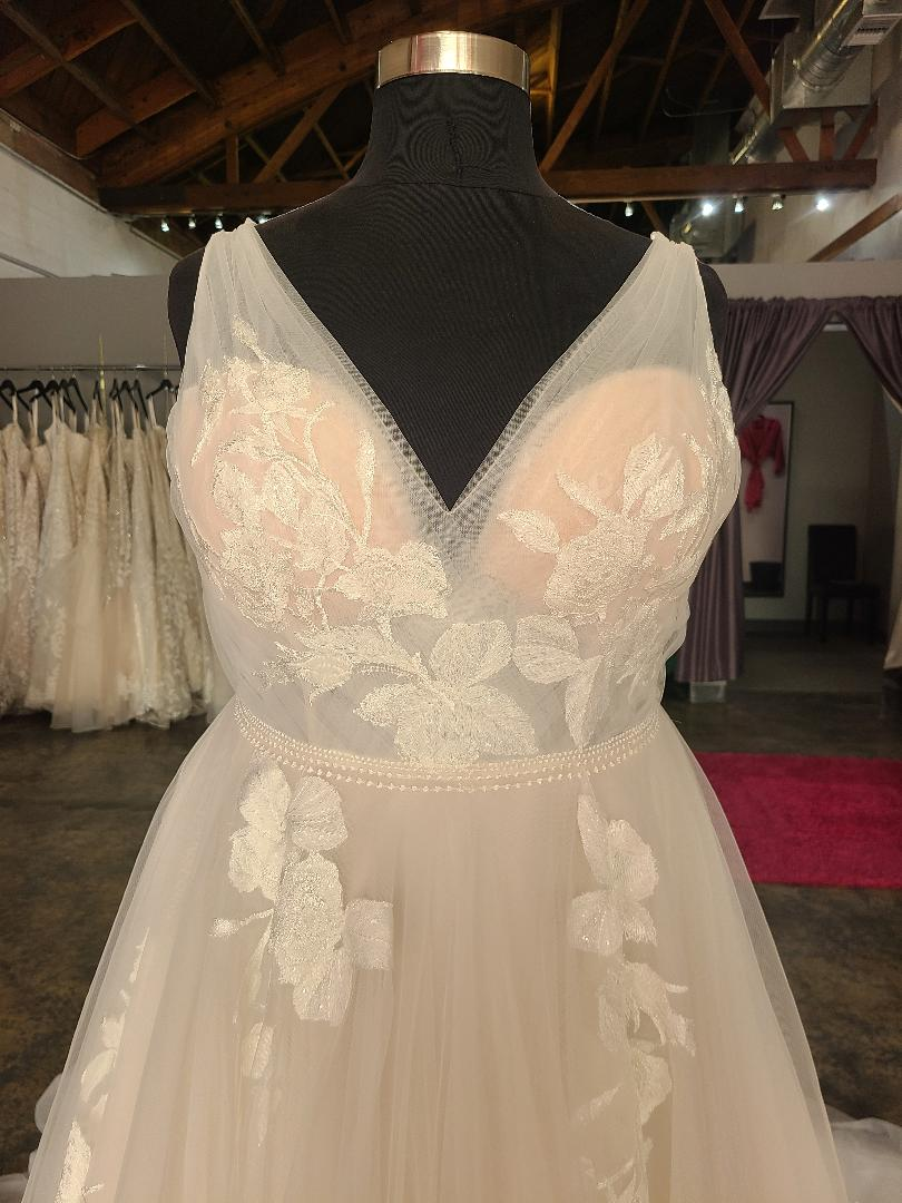 NEW – Romantic Floral Lace Aline Wedding Dress