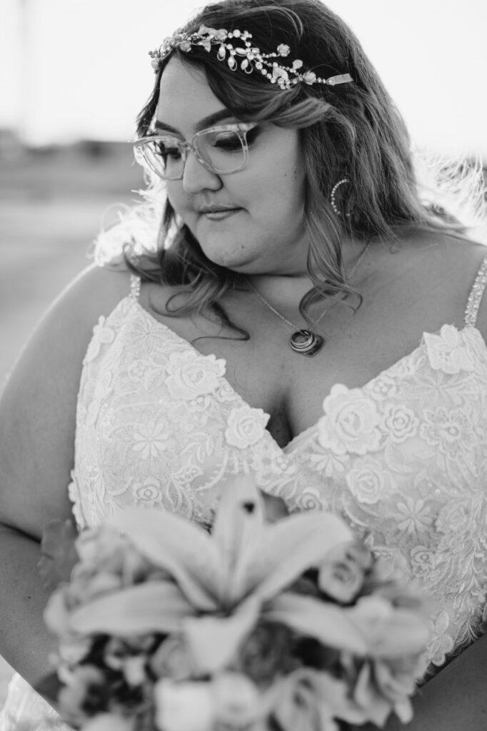real plus size bride phoenix arizona holding wedding bouquet