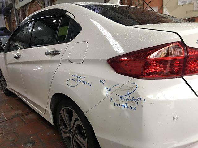sơn trầy xước xe ô tô