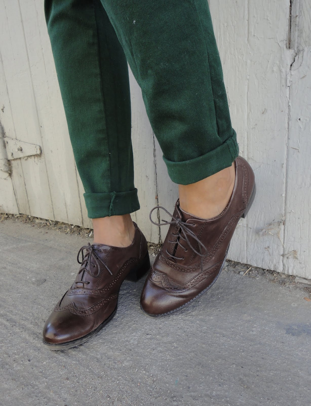 how to wear loafers for women