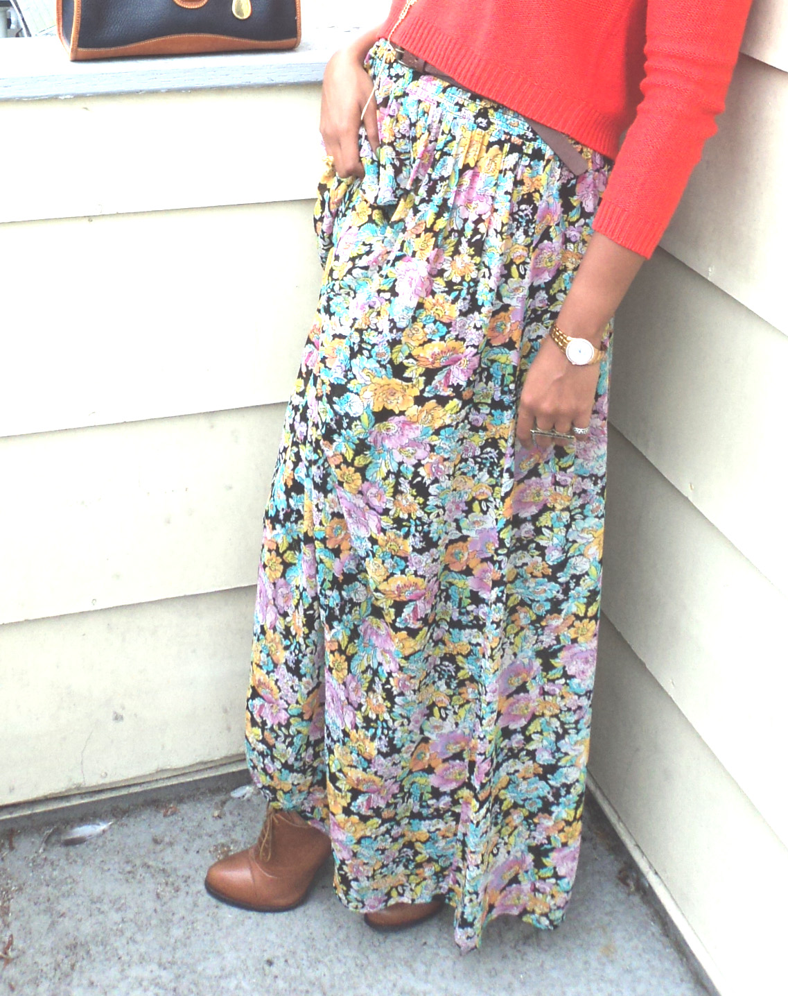how to style a floral maxi skirt
