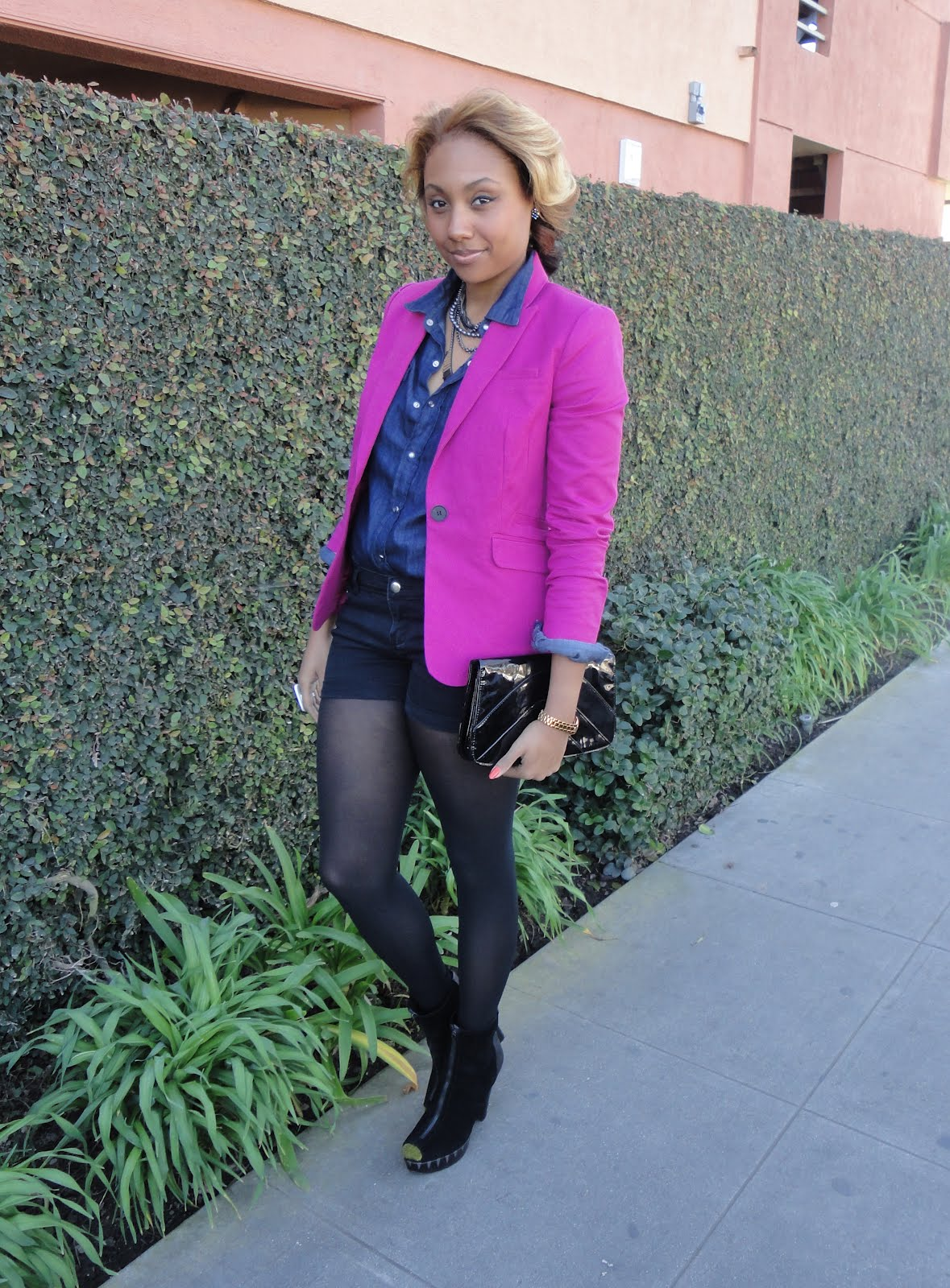 how to wear a pink blazer