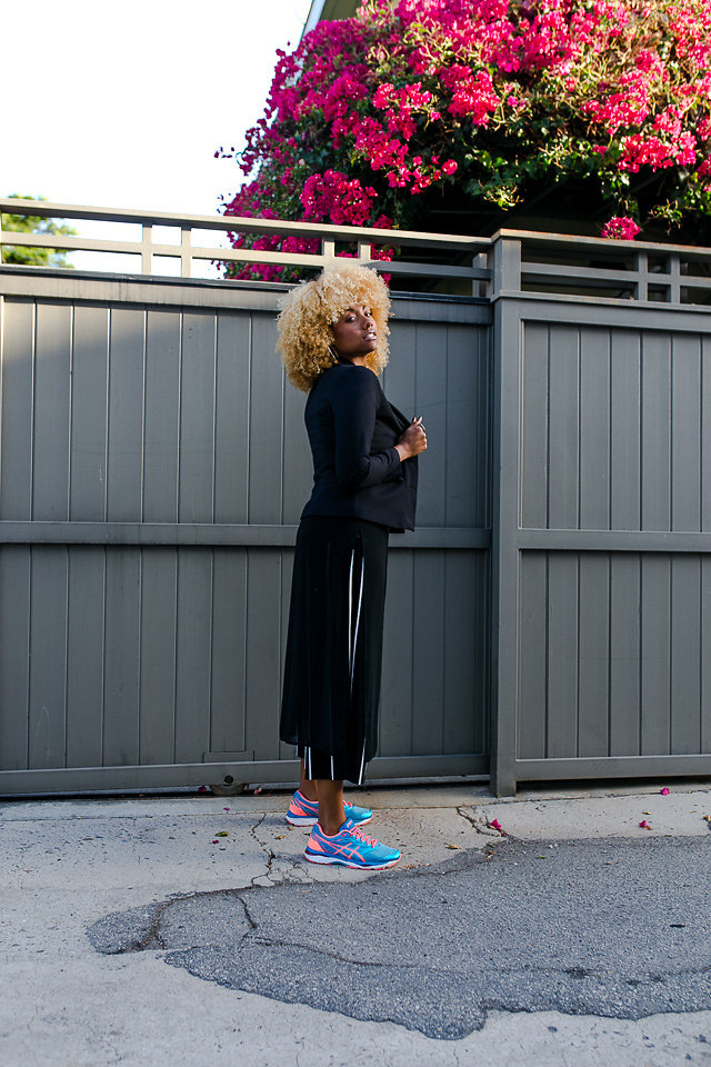 how to wear culottes with sneakers and a blazer-liveclothesminded-lcm-wearwhoyouare-interview style