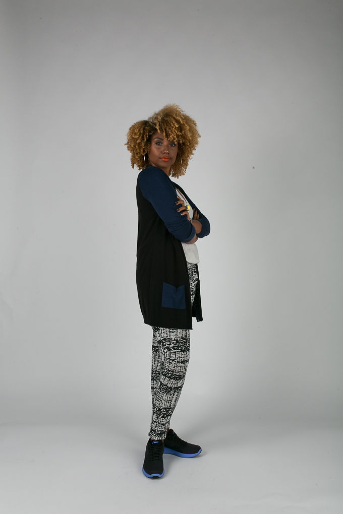 RSEE-LCM-Liveclothesminded-xmmtt-longbeach-6938-what to wear to work-sneakers-cardigan-print pants-asics