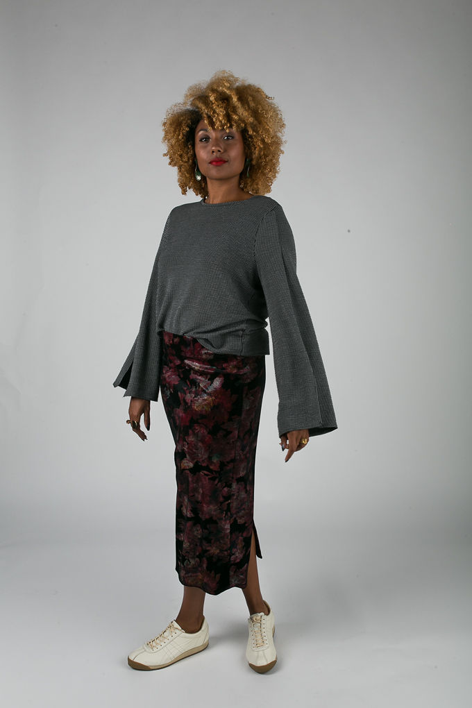 RSEE-LCM-Liveclothesminded-xmmtt-longbeach-6986-what to wear to work-midi skirt-bell sleeves-skirt with sneakers-fitfemme- work outfit ideas