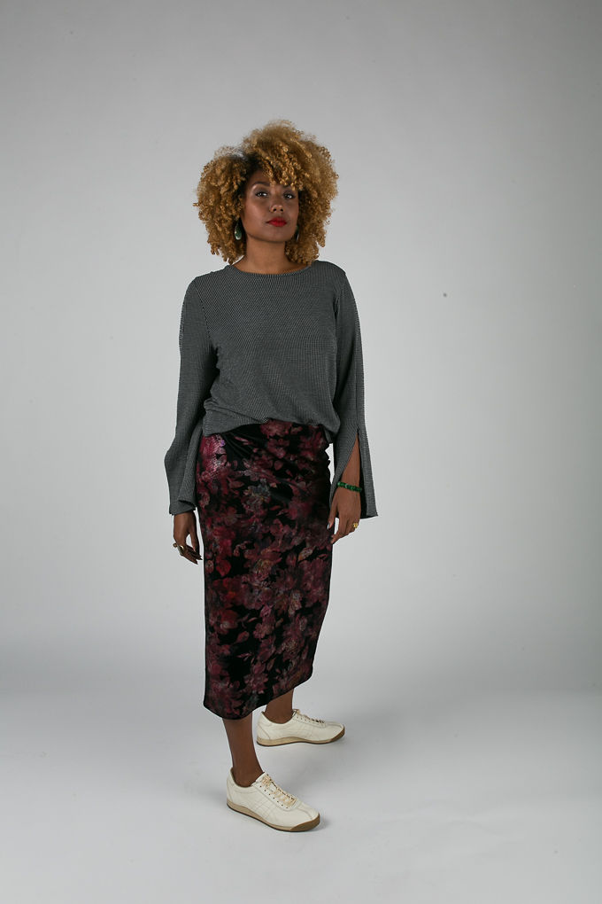 RSEE-LCM-Liveclothesminded-xmmtt-longbeach-6998-what to wear to work-midi skirt-bell sleeves-skirt with sneakers-fitfemme- work outfit ideas