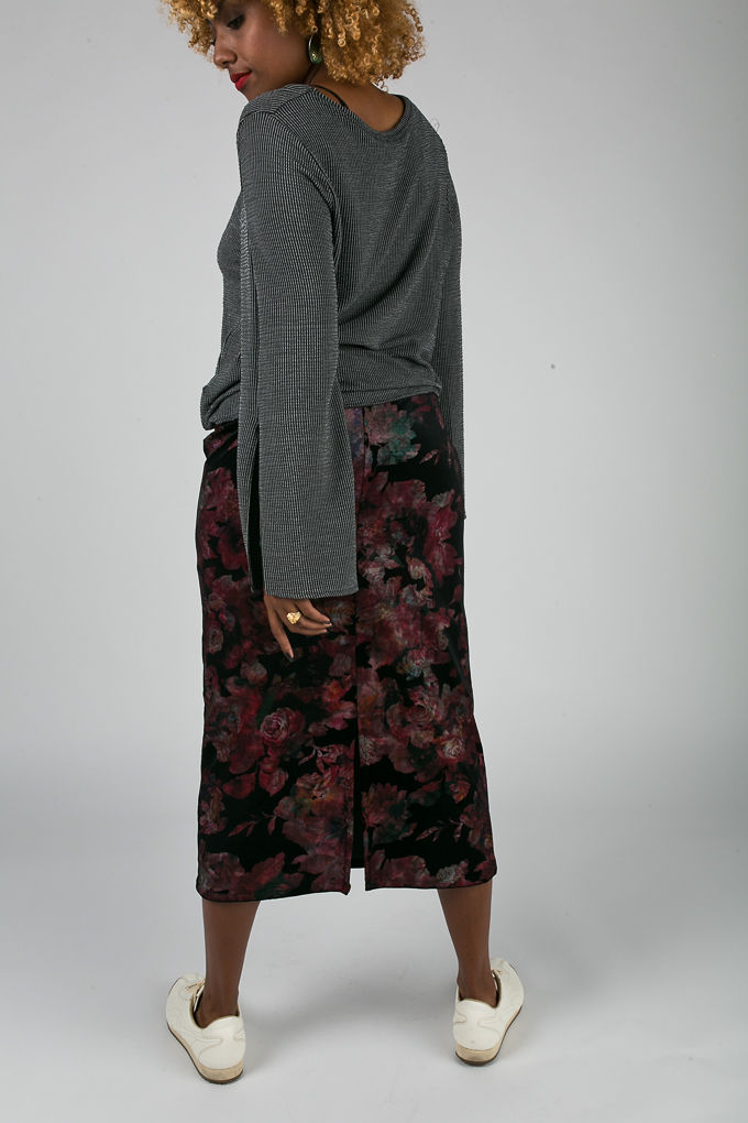 fit femme-skirt with sneakers-work outfit ideas