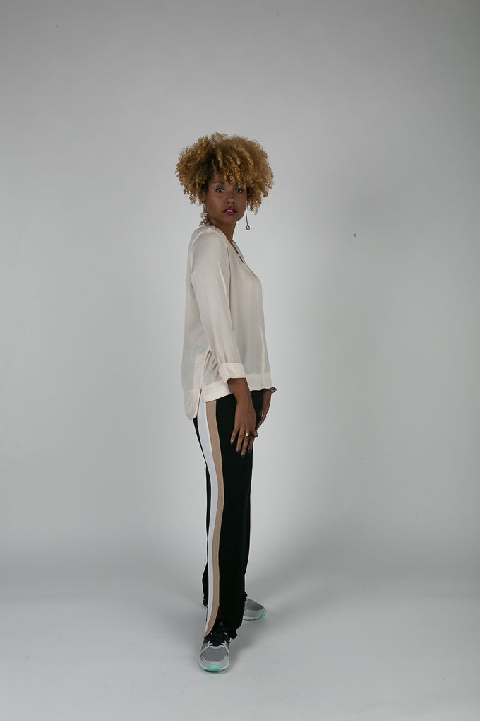 RSEE-LCM-Liveclothesminded-xmmtt-longbeach-7114-what to wear to work-slacks-sneakers-workwear-work outfit