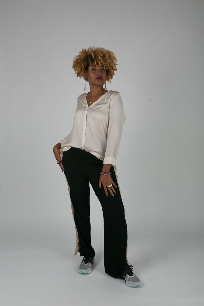 RSEE-LCM-Liveclothesminded-xmmtt-longbeach-7193--what to wear to work- slacks with sneakers - work outfit - professional outfit - casual
