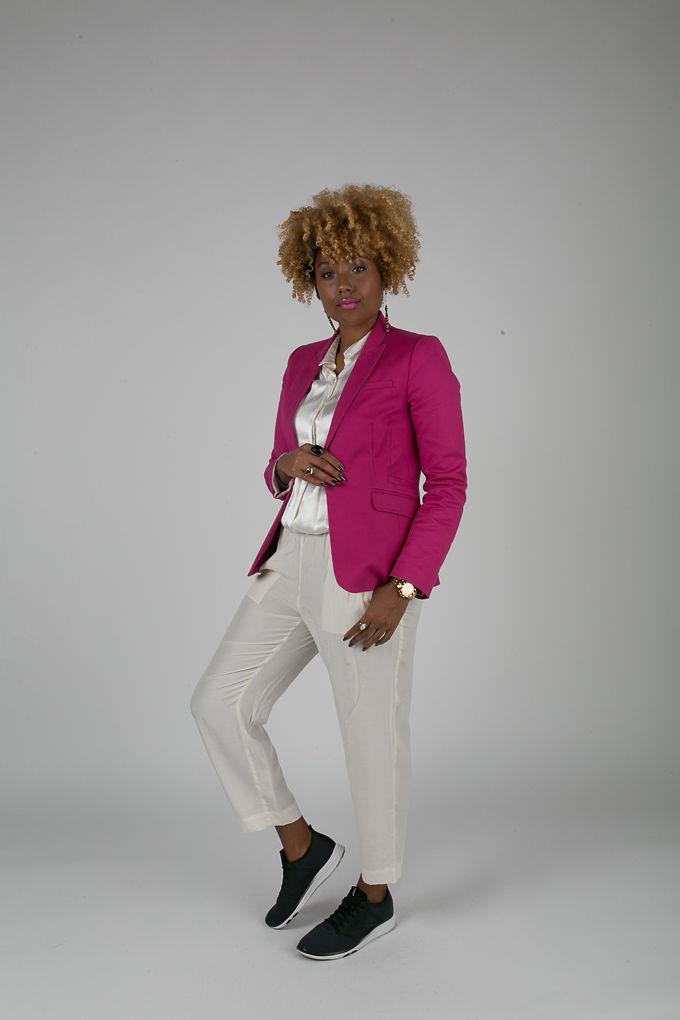 RSEE-LCM-Liveclothesminded-xmmtt-longbeach-7208-blazer-pink blazer-statement blazer-what to wear to work-outfit idea for work-natural hair-blonde curls-white pants