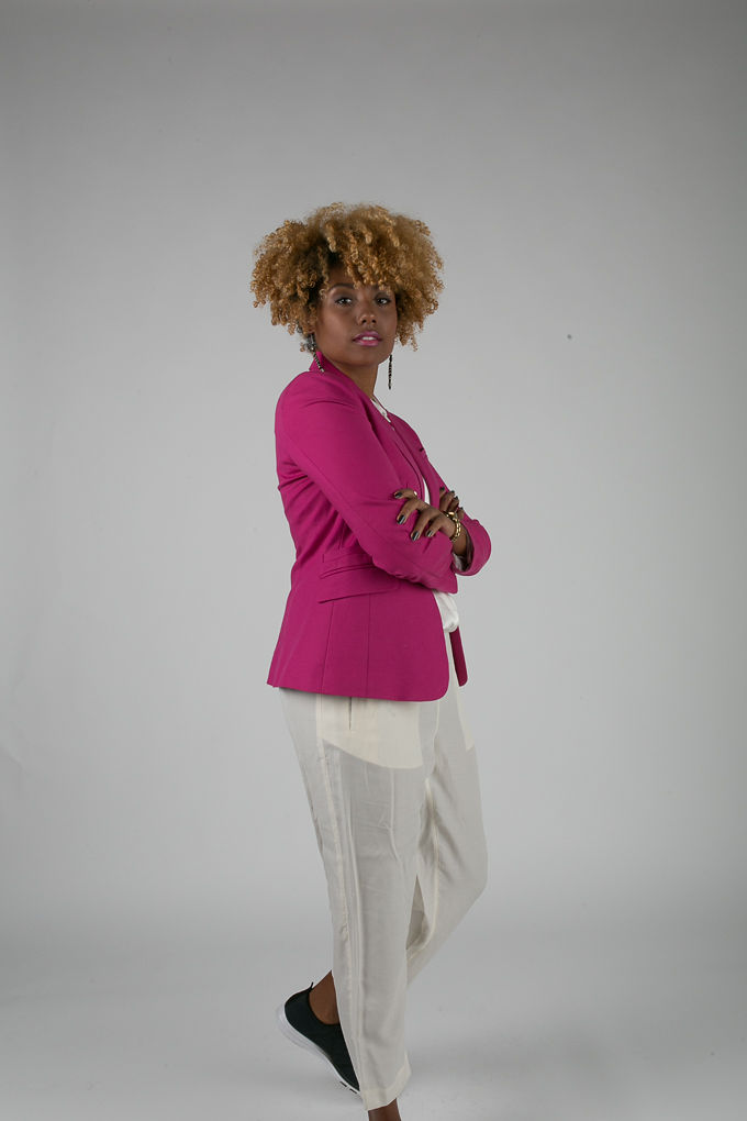 RSEE-LCM-Liveclothesminded-xmmtt-longbeach-7219-blazer-pink blazer-statement blazer-what to wear to work-outfit idea for work-natural hair-blonde curls-white pants