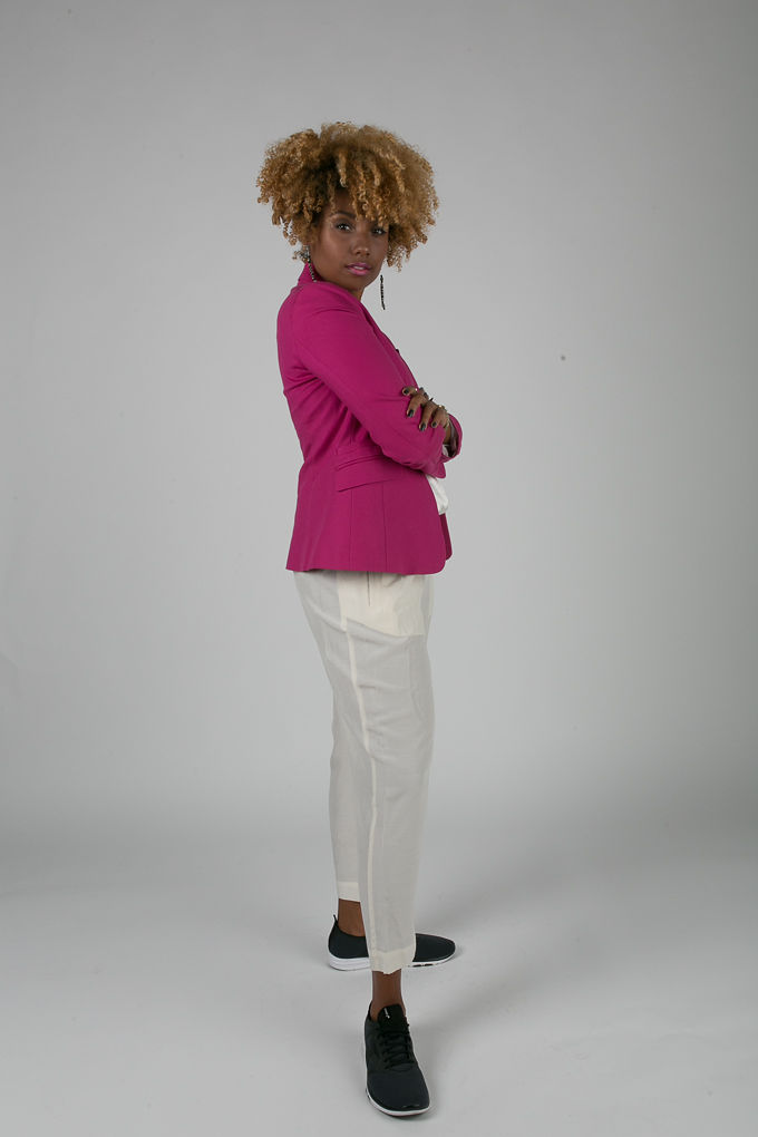 RSEE-LCM-Liveclothesminded-xmmtt-longbeach-7220-blazer-pink blazer-statement blazer-what to wear to work-outfit idea for work-natural hair-blonde curls-white pants
