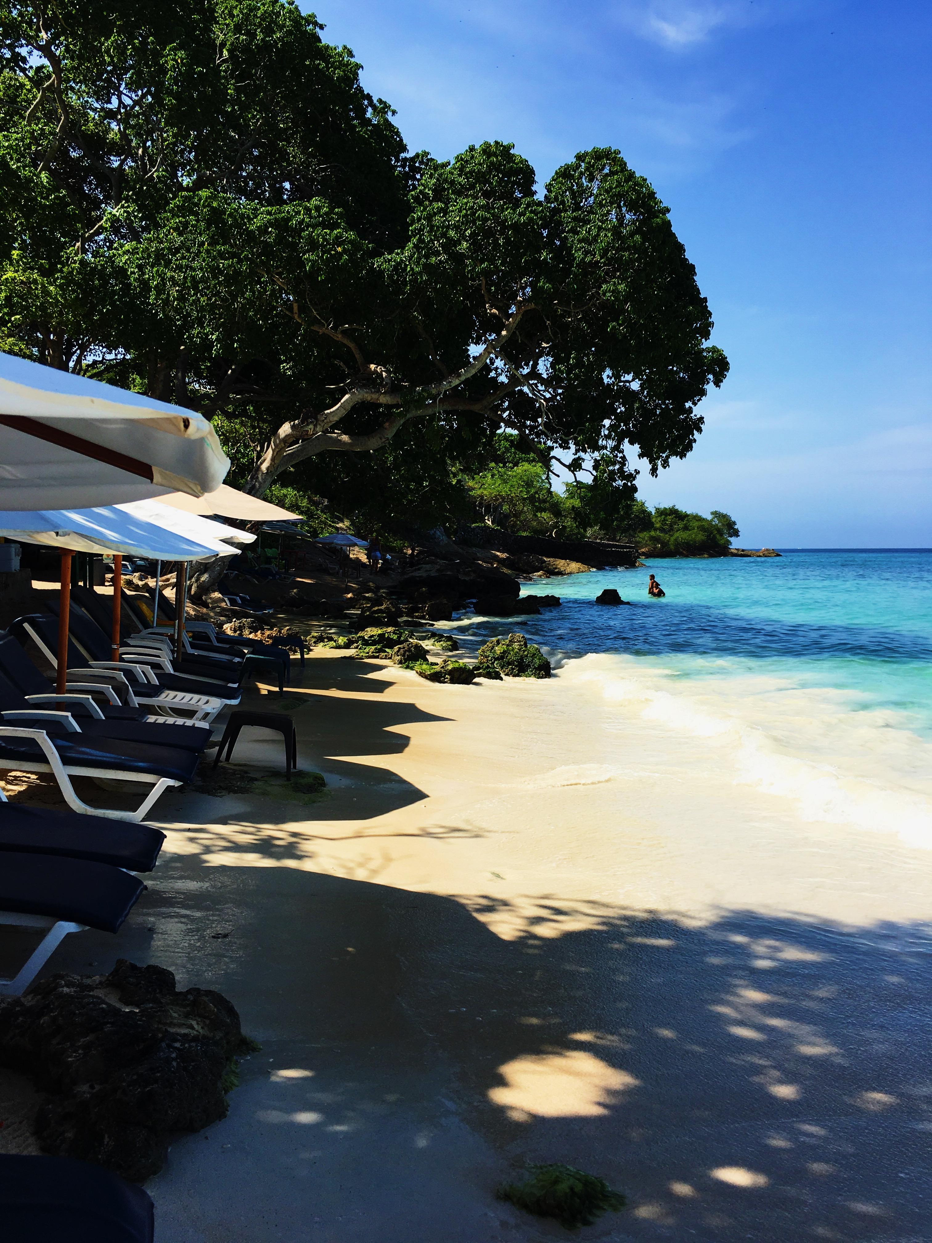 lcm-liveclothesminded-colombia-cartagena-playa blanca-beach-vacation