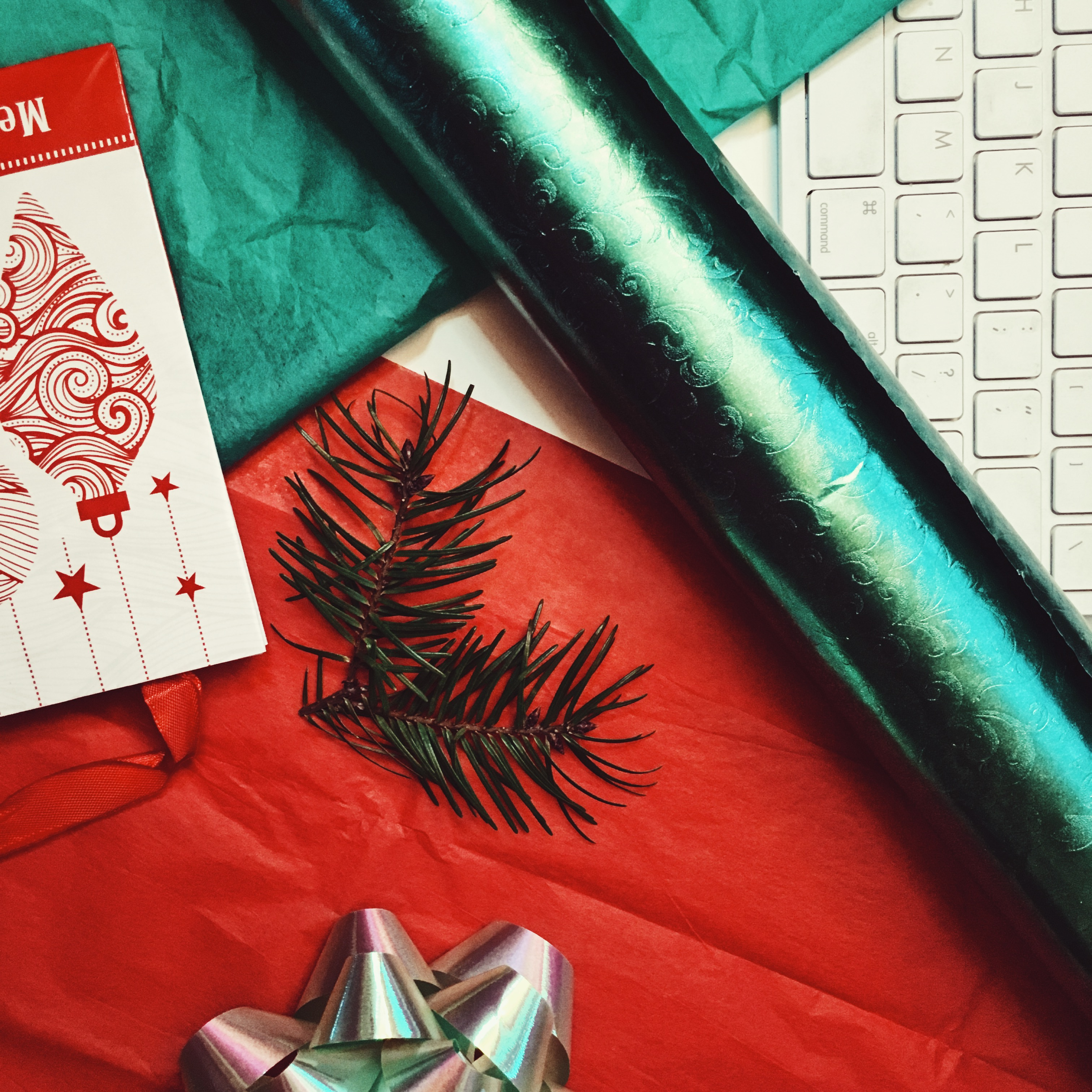lcm-liveclothesminded-paperless post-christmas post-ecard-festive-holiday