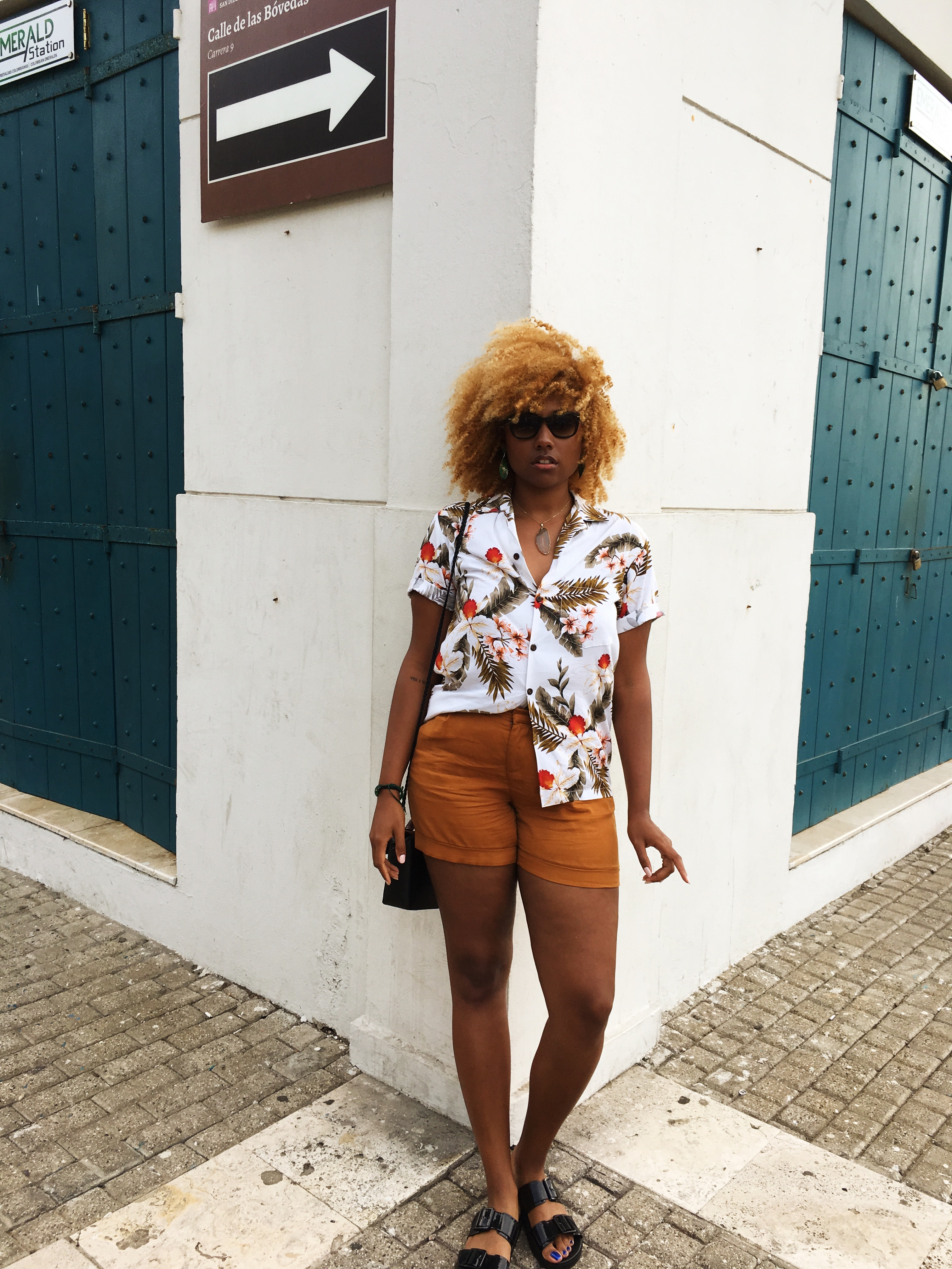 lcm-liveclothesminded-walled city-cartagena-colombia