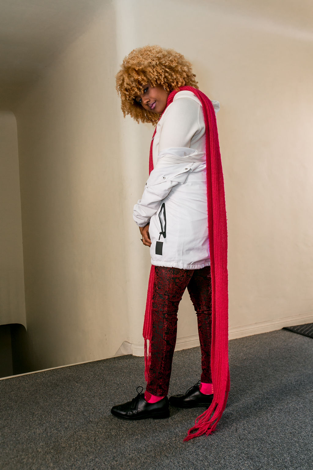 RSEE-LCM-Liveclothesminded-xmmtt-longbeach-2392-how to wear-pink + red-fall outfit-pink scarf