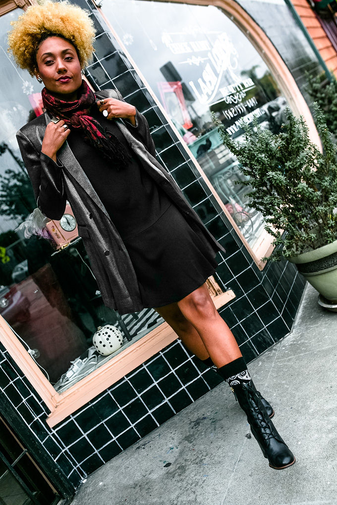 RSEE-LCM-Liveclothesminded-xmmtt-longbeach-3844-wear who you are-how to wear a scarf-red scarf-sparkle jacket-black booties