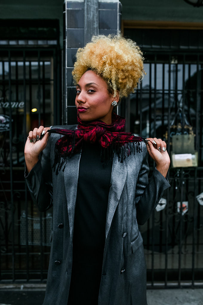RSEE-LCM-Liveclothesminded-xmmtt-longbeach-3859-wear who you are-how to wear a scarf-red scarf-sparkle jacket