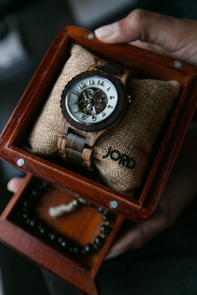 jord wood watch in Ceder humidor presentation box