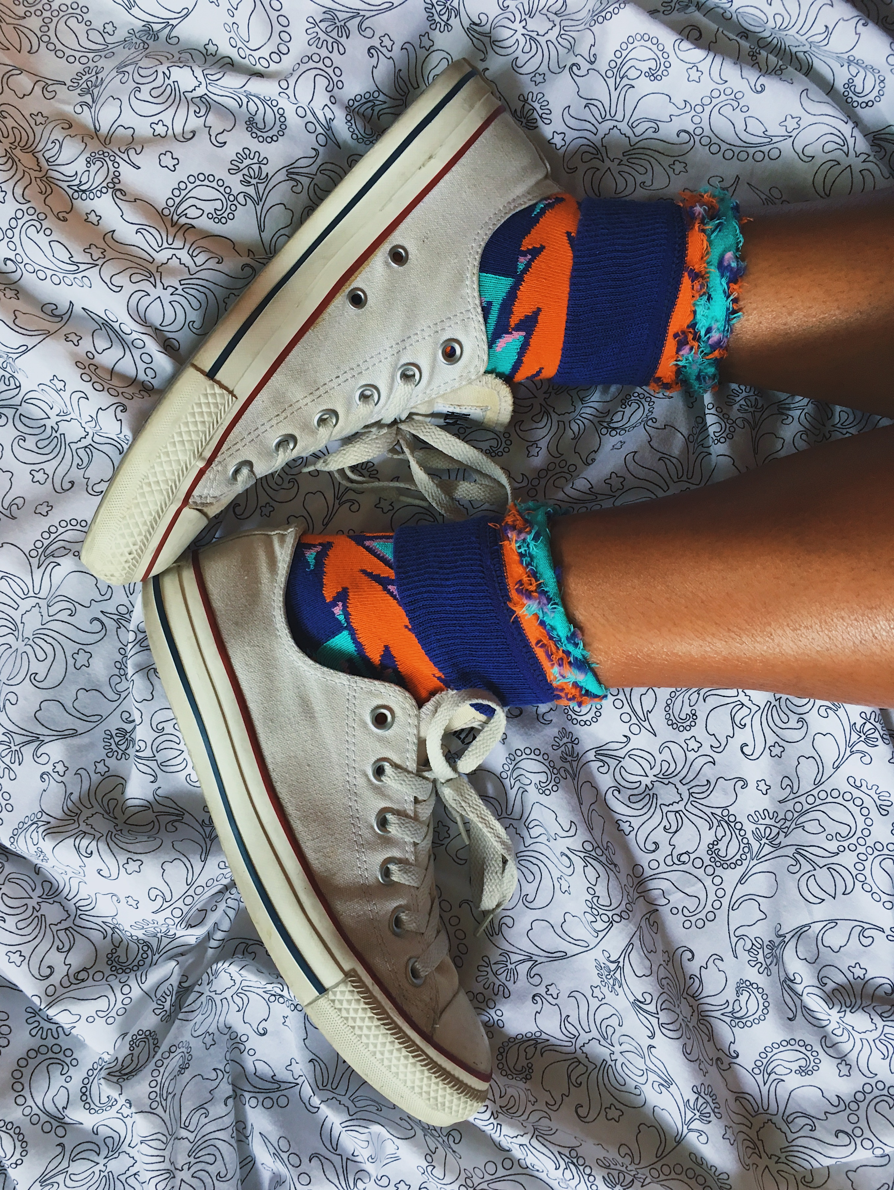 happy socks-chucks-converse-colorful socks-wear who you are-lcm