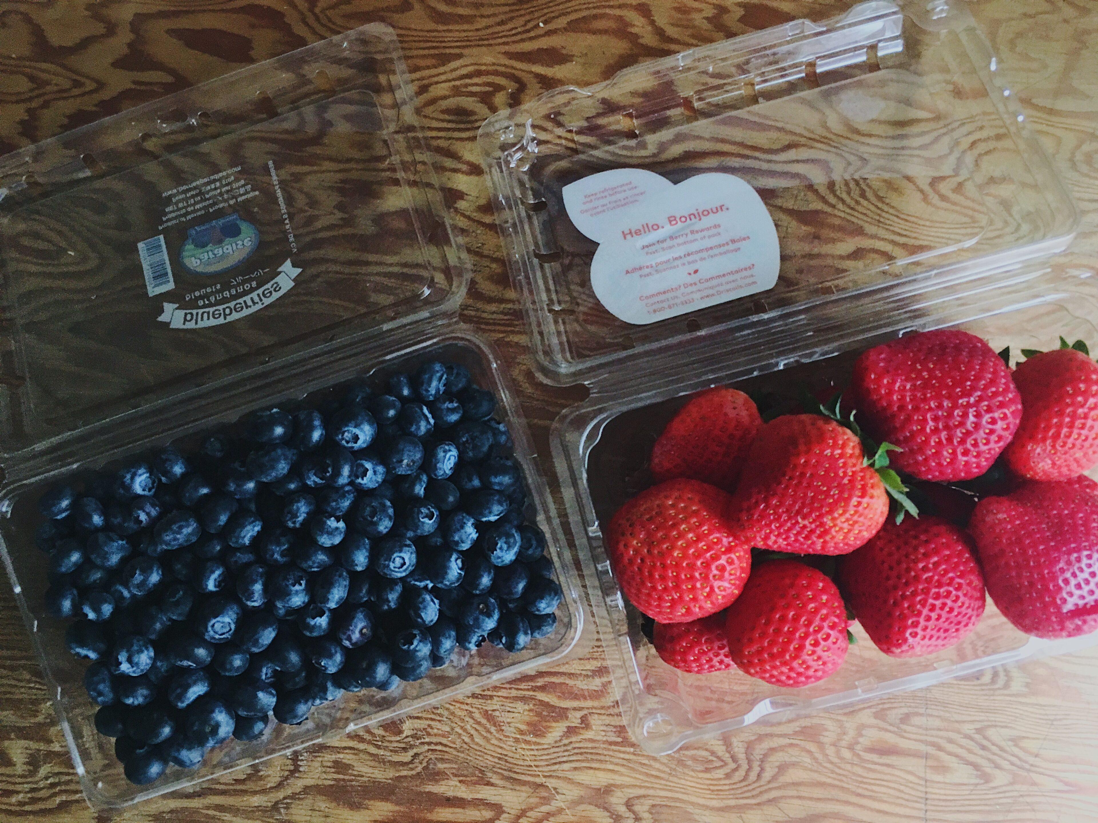 strawberries-blueberries-ingredients