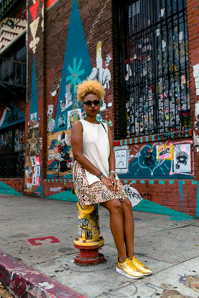 fit femme - skirt with sneakers-gold sneakers-dtla arts district
