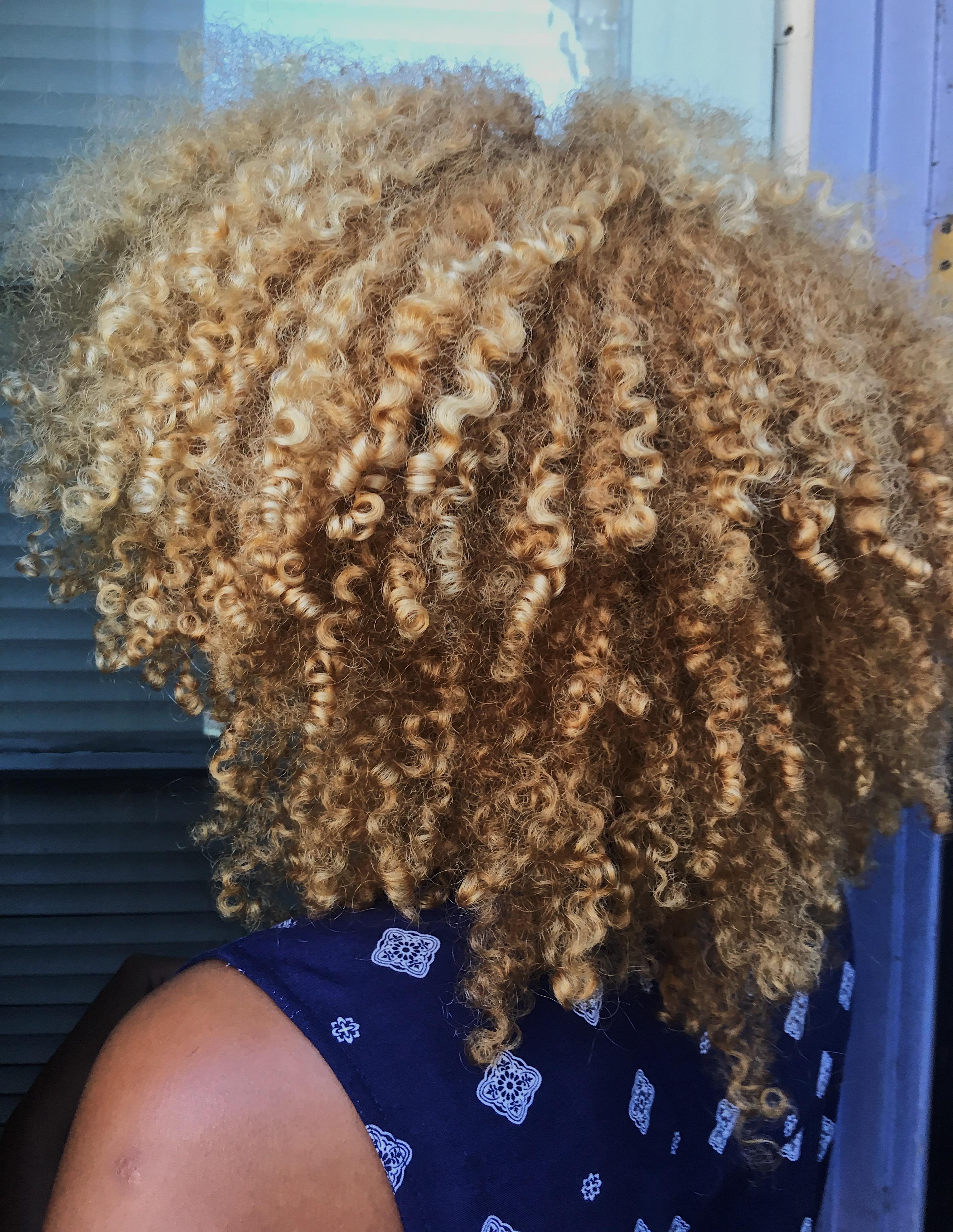 wash-n-go routine-blonde curls-natural hair-texture