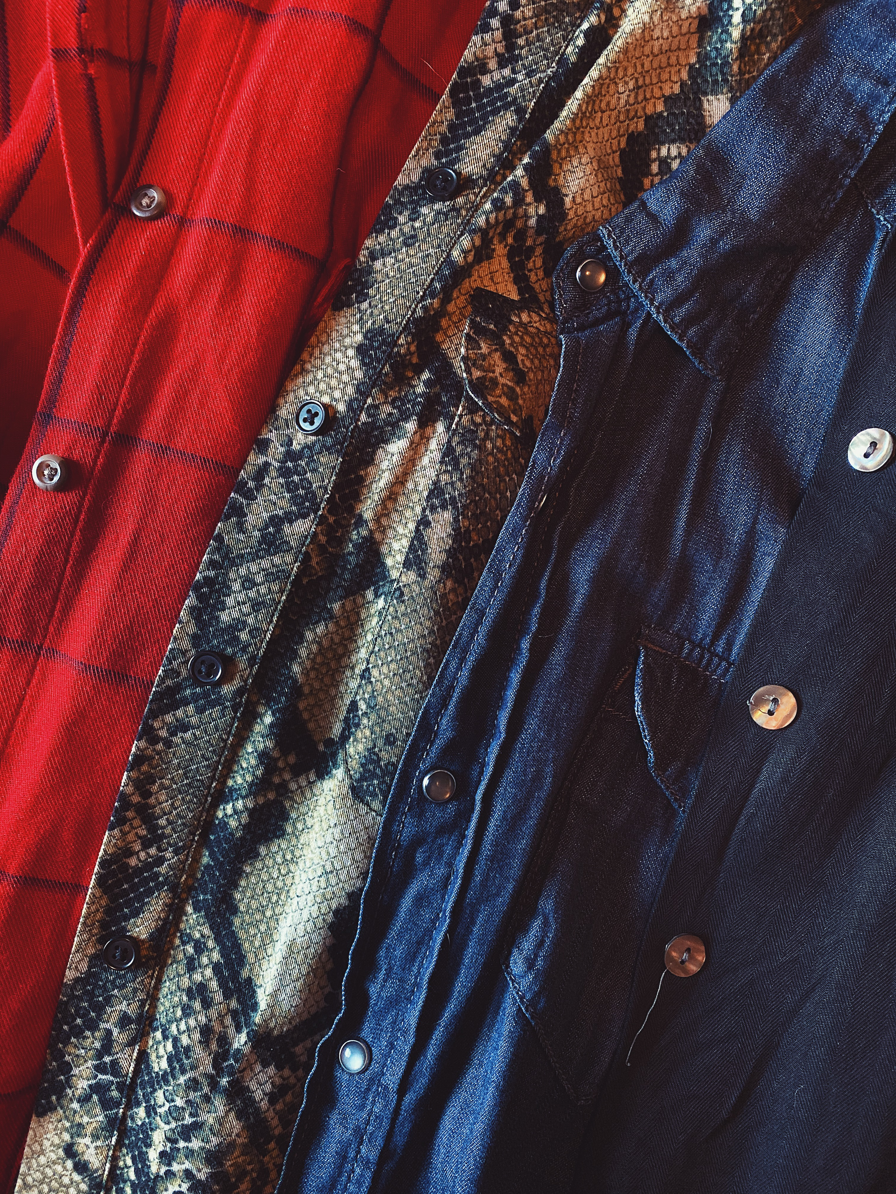button down shirt-layers-what to wear to a concert