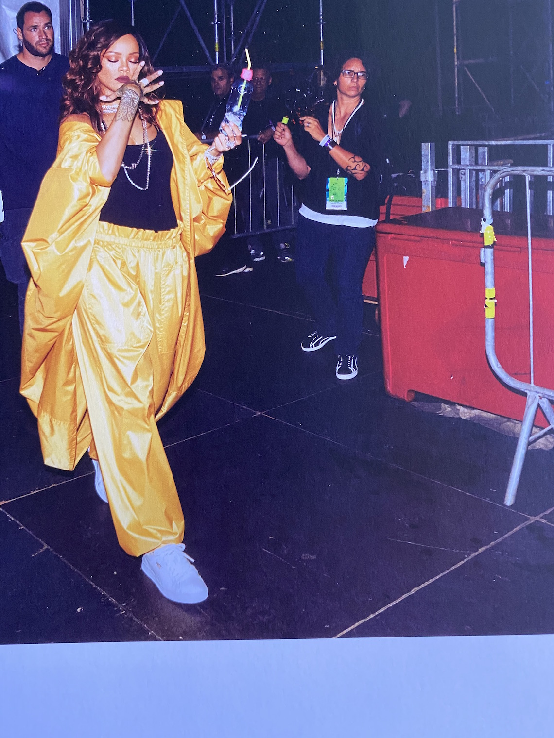 rihanna book-style-yellow outfit