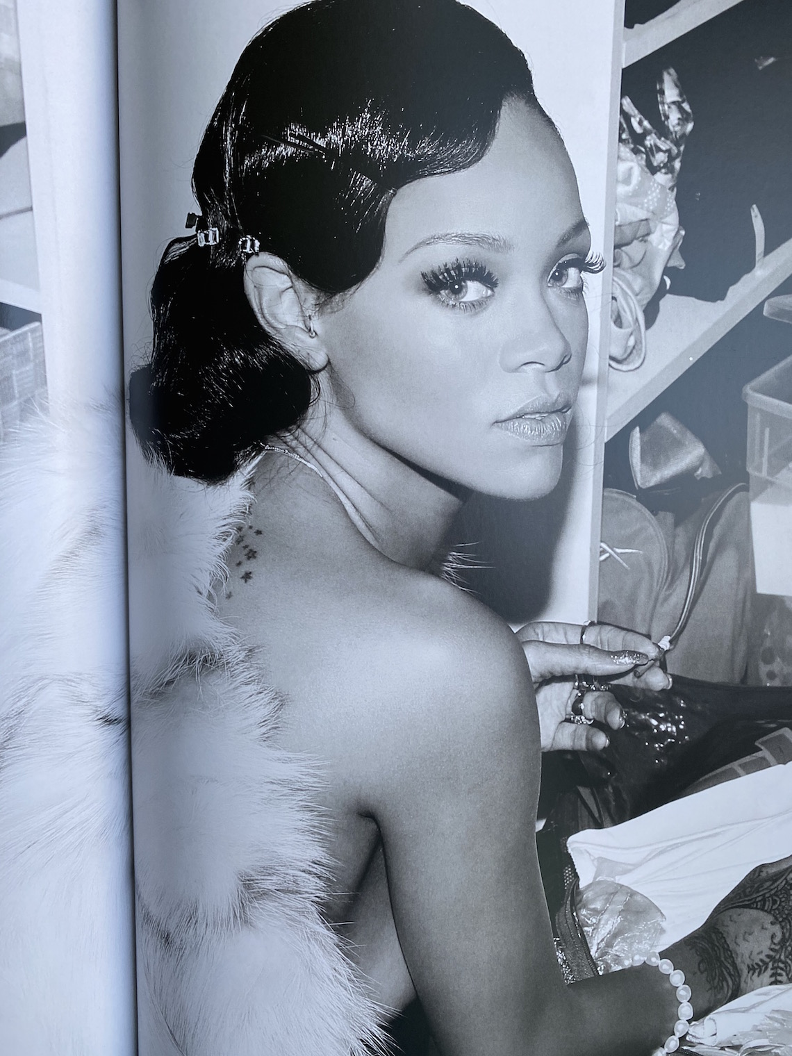 rihanna book-beauty-glam